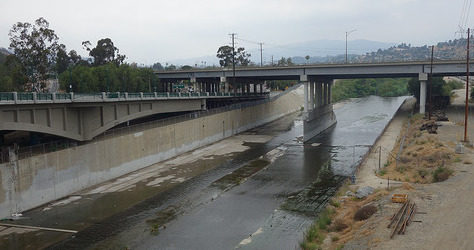LA river concreted 475-250